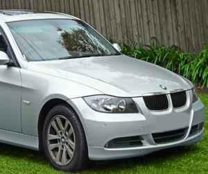 Used BMW 320i Engine